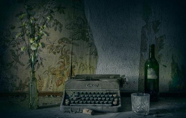 Picture retro, dust, typewriter