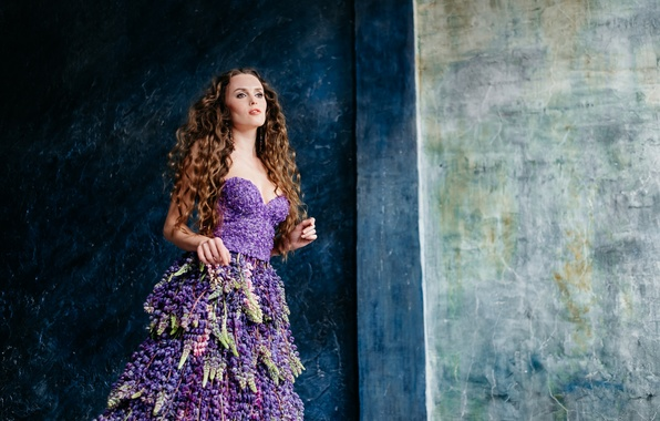 Picture face, style, background, model, hair, dress, curls