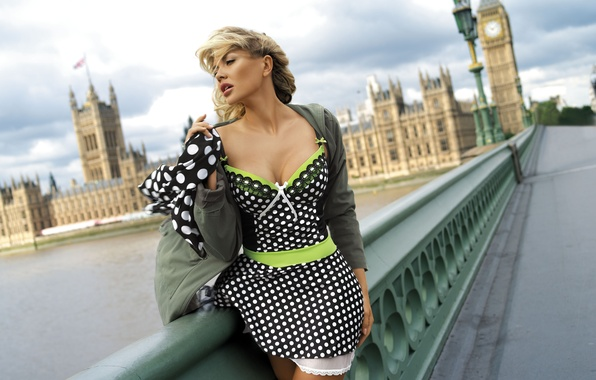Picture girl, bridge, the city, model, London, dress, Adelina Tomhson, Tatiana Verevkina