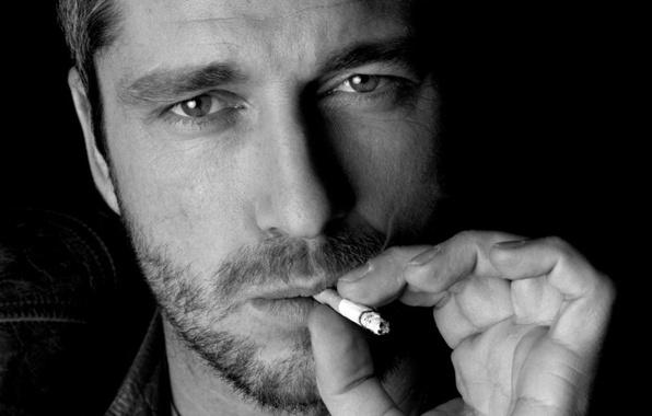 Picture face, cigarette, male, actor, bristles, Black and white, Gerard Butler