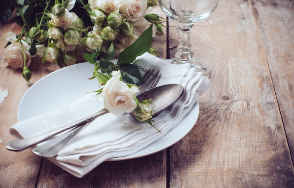 Picture roses, plate, spoon, plug, napkin