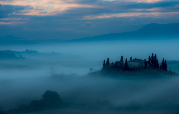 Picture landscape, fog, house, Belvedere at dawn
