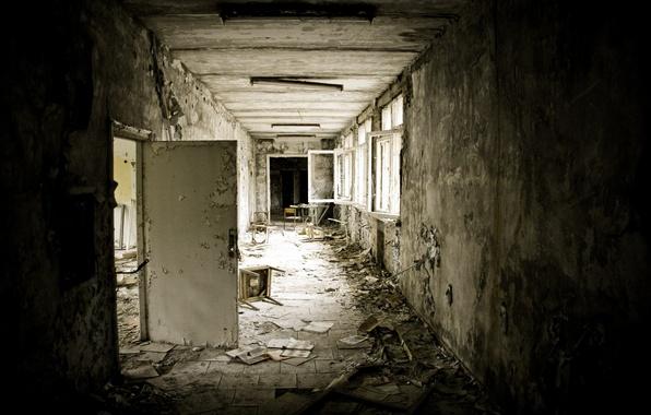 Picture the building, Windows, the door, chair, Pripyat