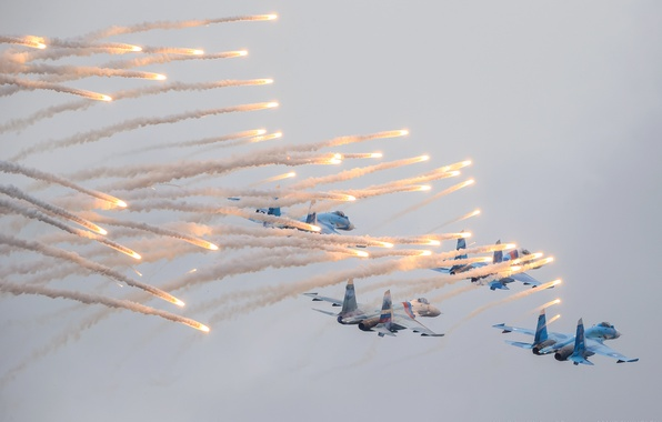 """Picture the sky, lights, smoke, show, aircraft, Flanker, Su-27, multipurpose, """"Falcons Of Russia"""", the fourth-generation fighters, …"""