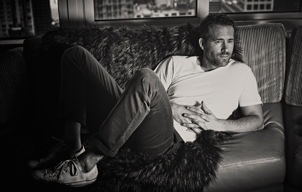 Picture photo, sneakers, jeans, t-shirt, actor, lies, black and white, fur, Ryan Reynolds, Ryan Reynolds, on …