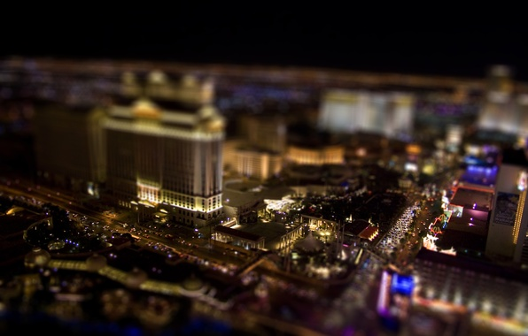 Picture machine, night, tilt shift