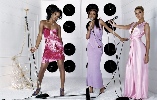Picture group, dynamics, Beyonce Knowles, trio, microphones, Michelle Williams, Kelly Rowland, Destiny's Child