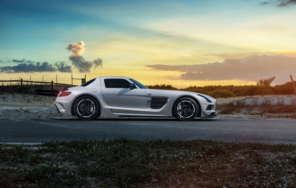 Picture car, white, Mercedes, Mercedes SLS, tuning, rechange, Black Series, William Stern, RennTech