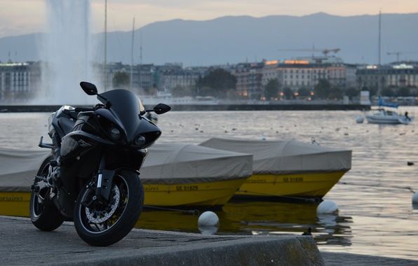 Picture the city, black, boats, fountain, black, yamaha, bike, Yamaha, yzf-r1