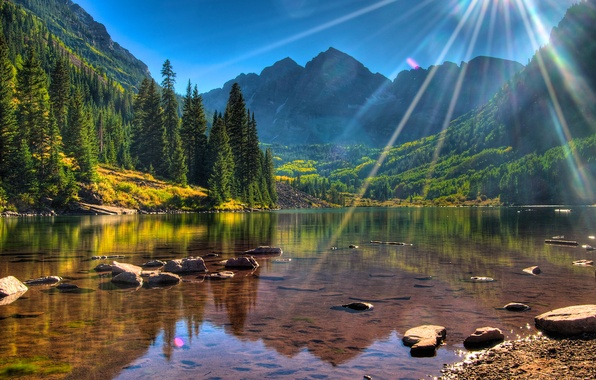 Picture forest, trees, mountains, lake, stones, shore, USA, the rays of the sun, Colorado, Maroon Bells