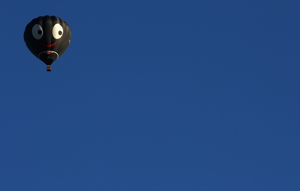 Picture the sky, sport, ball, minimalism