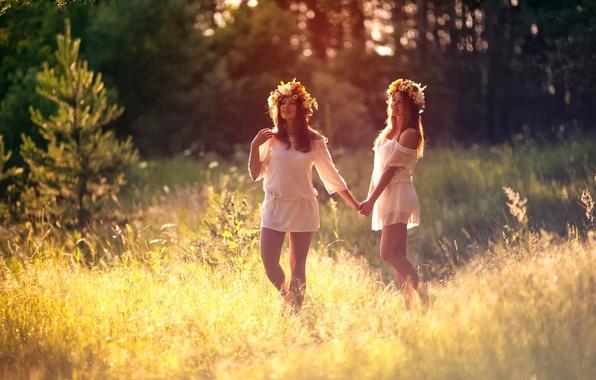 Picture summer, joy, girls, friend, wreaths