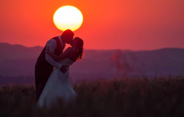 Picture love, fireball, twilight, sunset, kiss, hill, couple, dusk, wedding, bride, silhouette, red sky, groom