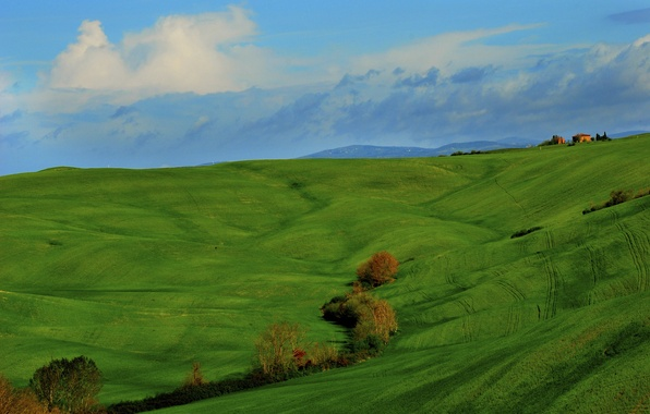 Picture the sky, grass, clouds, trees, mountains, house, hills, field, Italy