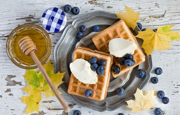 Picture autumn, leaves, berries, Breakfast, blueberries, honey, ice cream, waffles, sundae
