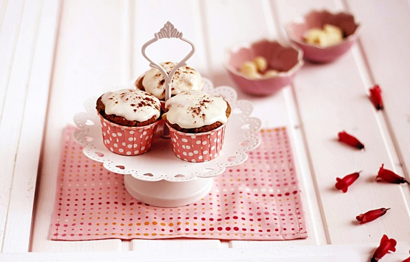 Picture pink, petals, cakes, cakes, napkin, glaze, cupcakes