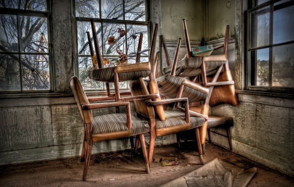 Picture room, Windows, chairs