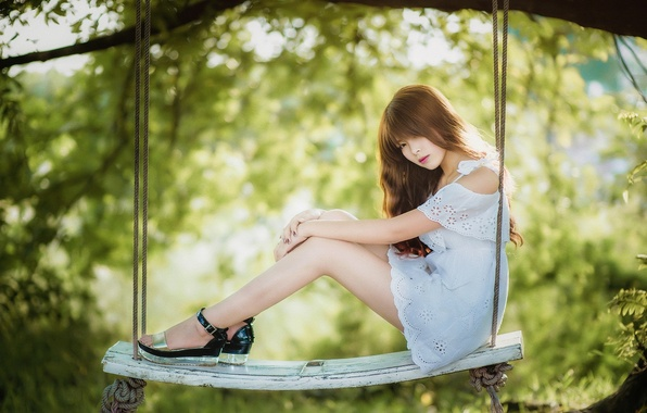 Picture girl, swing, Asian