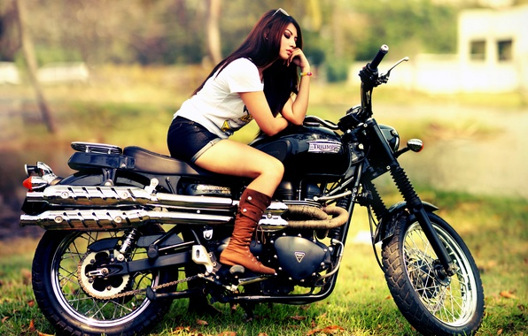 Picture shorts, boots, motorcycle, Triumph, Triumph Scrambler 900, Triumph Scrambler