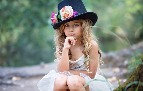 Picture girl, hat, magical autumn, Susana of the Key