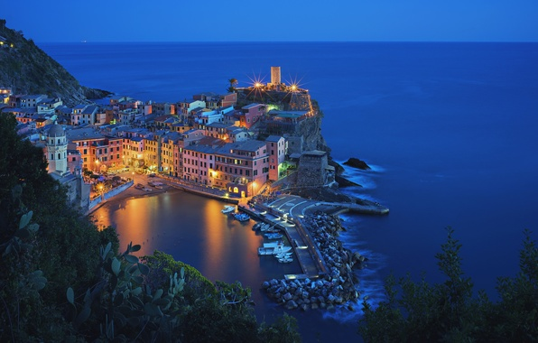 Picture sea, night, lights, Bay, Italy, Vernazza, Cinque Terre