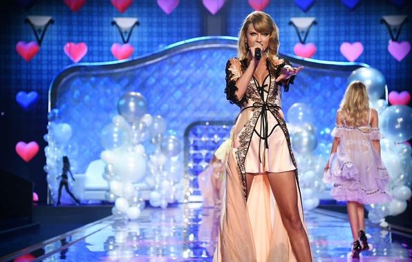 Picture show, Taylor Swift, victoria's secret, show 2014