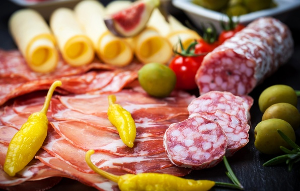 Picture cheese, pepper, tomatoes, olives, sausage, cutting, bacon, peppers, tomatoes, ham, figs, sausage, bacon, ham
