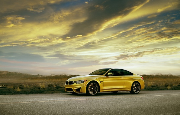 Picture BMW, yellow, Coupe, front, F82, automotive photography