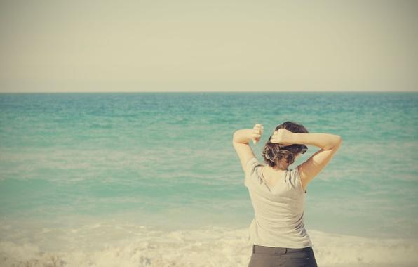Picture sea, woman, horizon