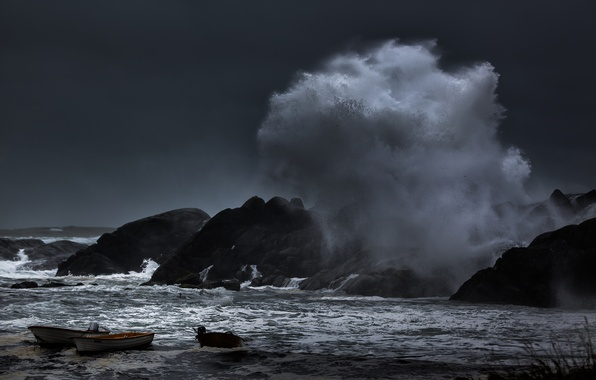 Picture sea, wave, squirt, storm, rocks, boats, harbour