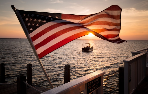 Picture sea, sunset, flag