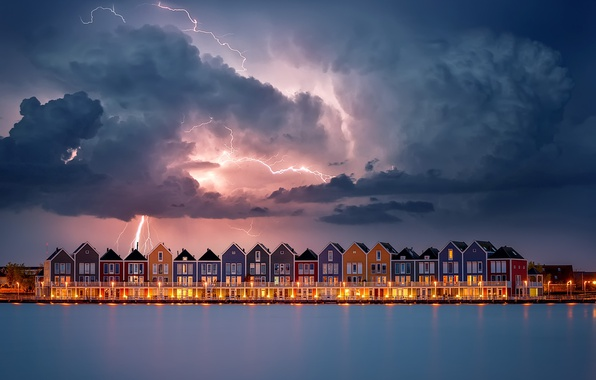 Picture the sky, water, clouds, lights, lightning, home, the evening