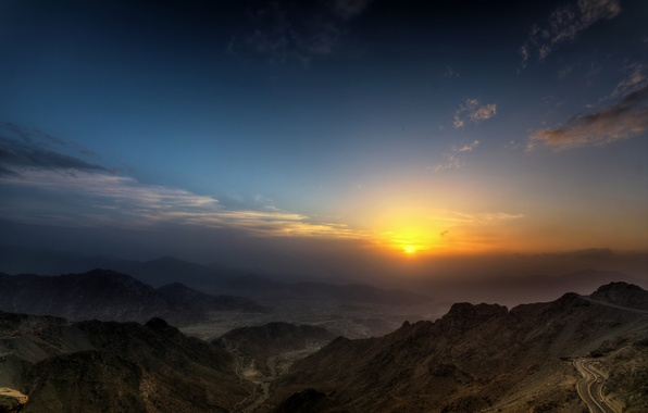 Picture road, the sky, the sun, mountains