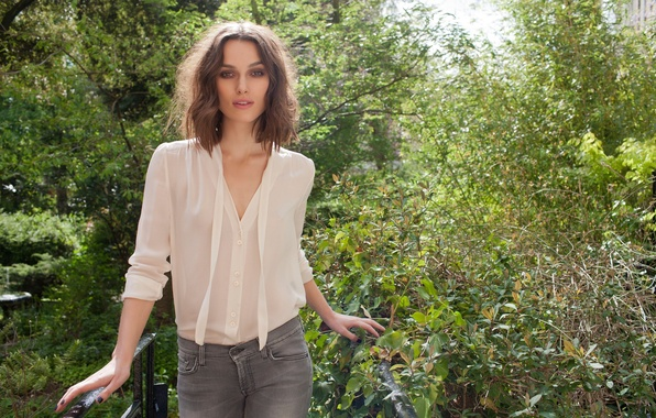 Photo wallpaper clothing, actress, Keira Knightley, girl, greens, keira Knightley, jeans, blouse, celebrity