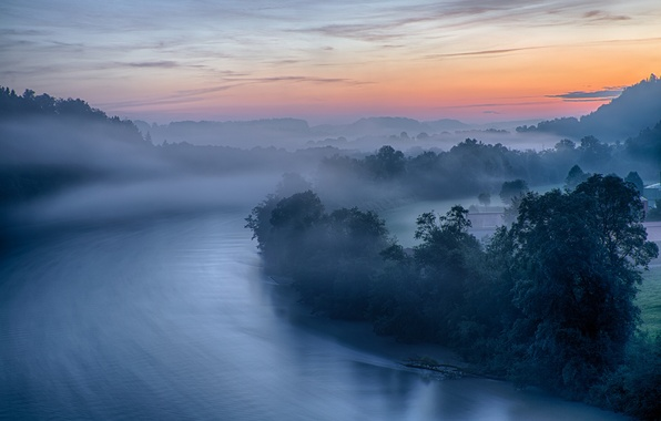Picture the sky, trees, mountains, fog, house, river, morning