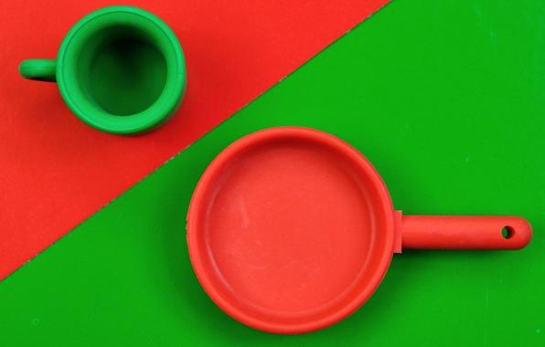 Picture red, mug, green, pan