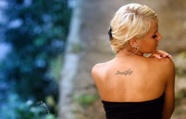 Picture BLONDE, GIRL, DRESS, TEXT, BACK, BLACK, TATTOO, SHOULDERS