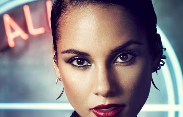 Picture portrait, brunette, singer, Alicia Keys