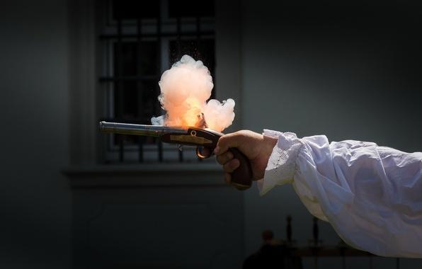 Picture gun, smoke, shot