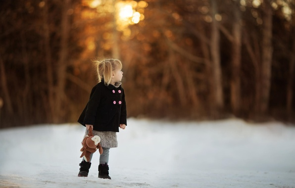Picture toy, girl, coat, bokeh