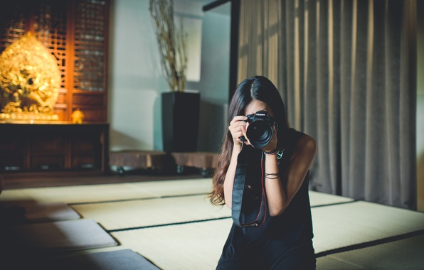 Picture girl, the camera, photographs