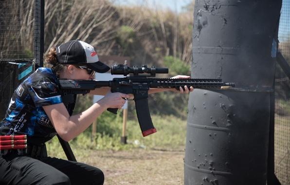Picture gun, woman, precision, speed, competition, telescopic sight