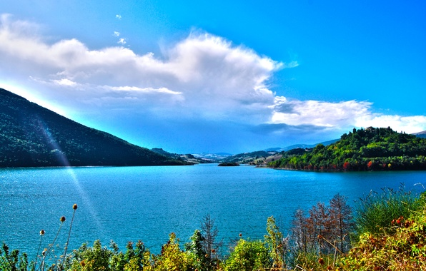 Picture autumn, the sky, water, clouds, mountains, vegetation, Italy, Bank, lake Castreccioni