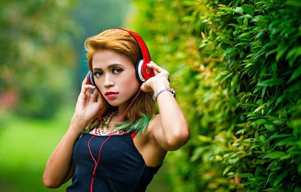 Picture girl, music, headphones