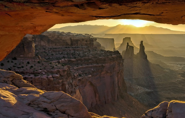 Picture Mesa Arch, Sunrise, Canyonlands National Park