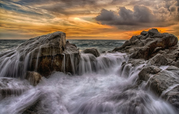 Picture sea, wave, the sky, squirt, clouds, storm, stones, rocks