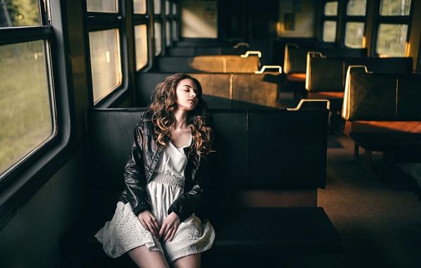 Picture girl, dawn, train, sleep, morning, Victoria Berngard