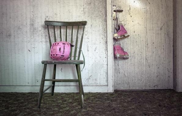 Picture chair, helmet, skates