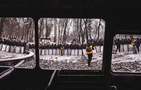 Picture the opposition, Kiev, Day of Truce