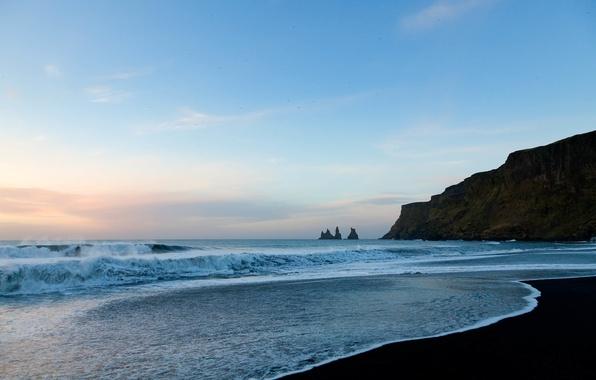 Picture The sky, Water, Sand, Clouds, The ocean, Beach, Rocks, Wave, Horizon, Birds, Foam